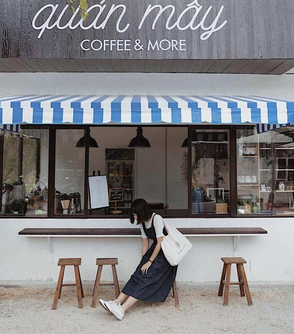 Quán Mây Coffee & More - Quán cà phê phong cách Hàn Quốc ở Đà Lạt 3
