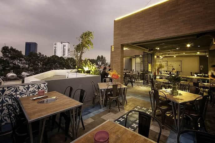 Top 10 nhà hàng ngon, có không gian đẹp ở Sài Gòn ảnh 2
