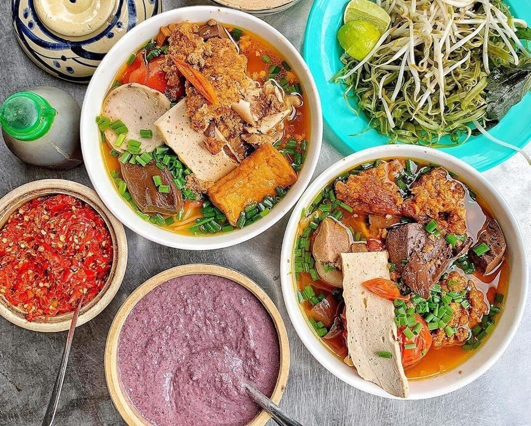 Quán ăn đêm Sài Gòn luôn nhộn nhịp khách