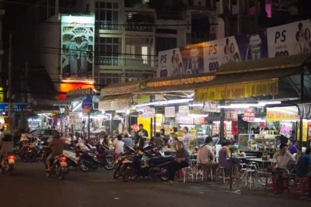 Một góc chợ đêm Tân Định. Ảnh: Internet