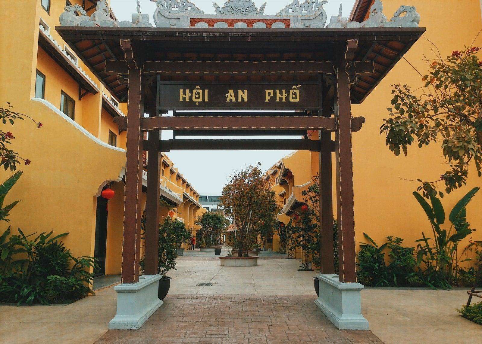 Điểm check-in mới ở Hạ Long mang tên Phố cổ Bãi Cháy - Margaret cruises