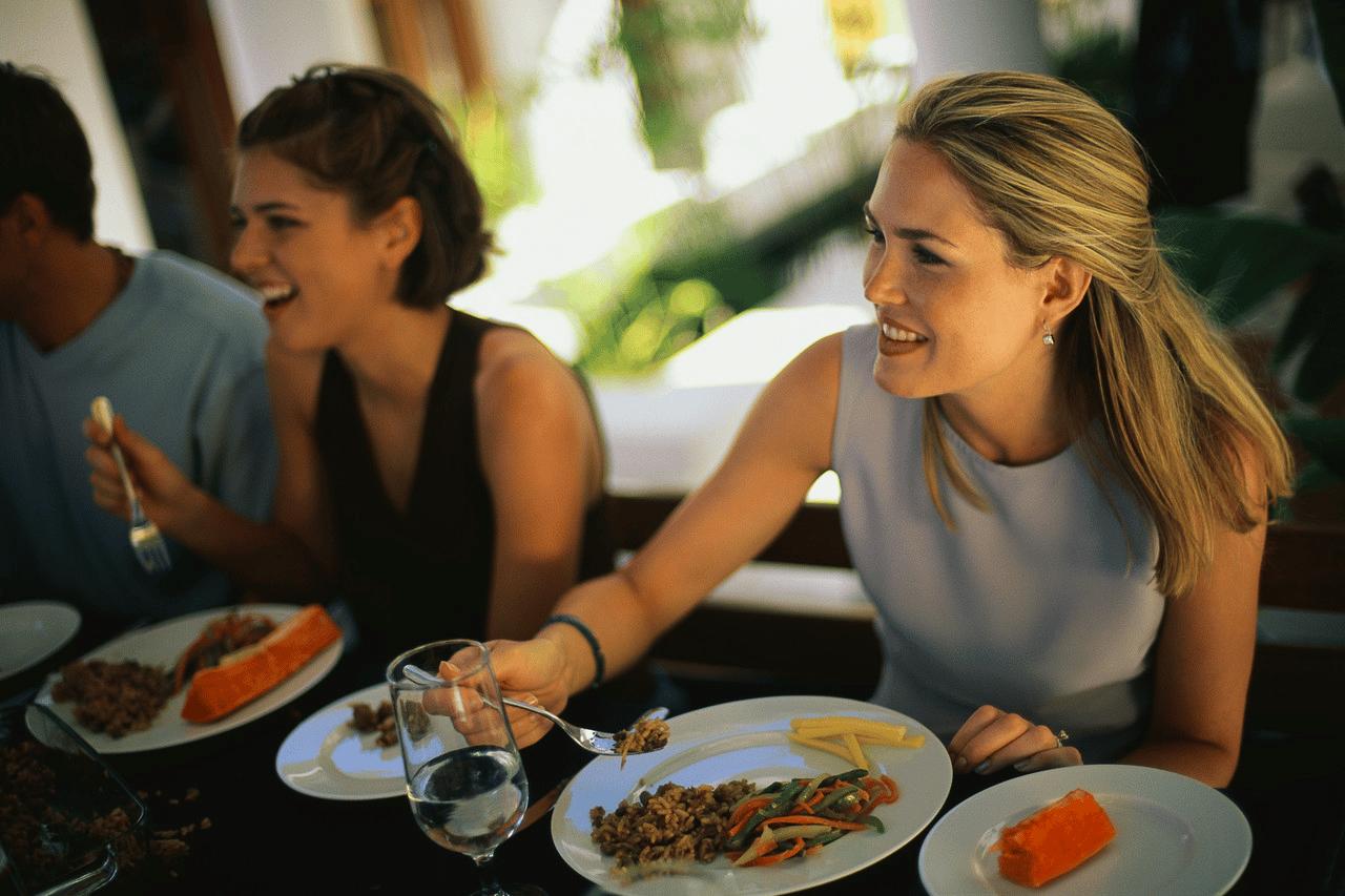 Văn hóa ăn uống mang những nét đặc trưng và độc đáo nào? ⋆ Vietnam Tours  24/7