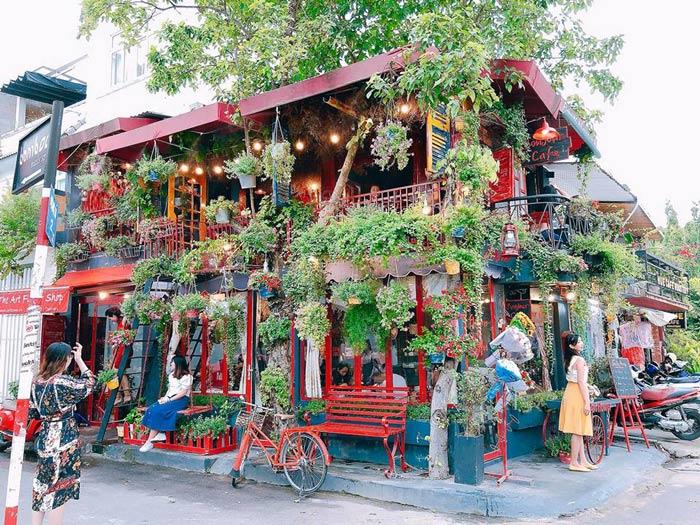 Bonjour Cafe The Art đẹp tựa Paris giữa lòng Sài Gòn