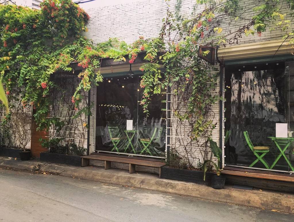 Những quán cafe nhạc Trịnh và nhạc xưa có không gian yên tĩnh ở Saigon