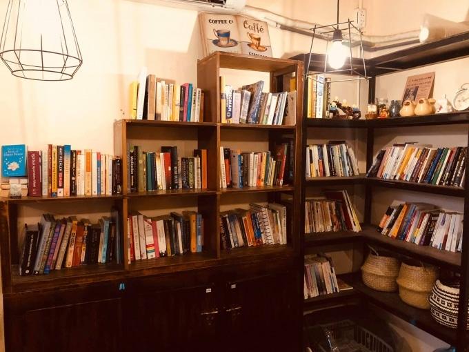 Haven Book Cafe - tiệm cà phê sách đầy mộc mạc giữa lòng Sài Gòn