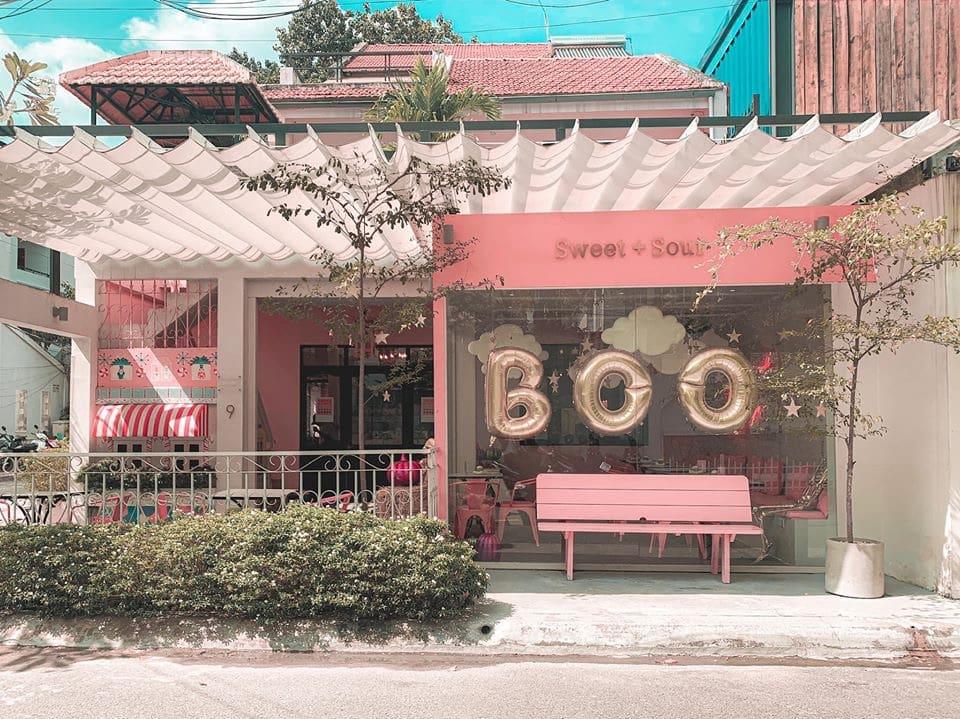 Khám phá tiệm bánh Sweet & Sour Quận 2 tràn ngập sắc hồng